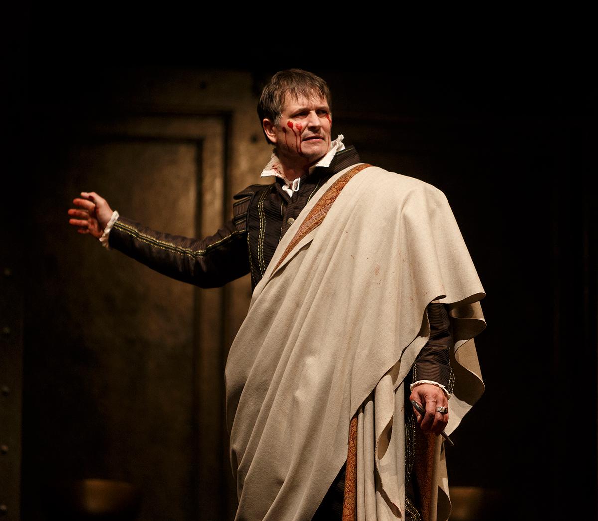 0224_Julius-Caesar_On-The-Run